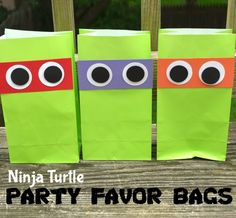 One Artsy Mama - http://www.oneartsymama.com/2014/08/teenage-mutant-ninja-turtles-party-favor-bags.html
