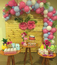 """Mundo Encantado on Instagram: """"Sabrina fez 11 anos... Que o Senhor Jesus te abençõe! Tudo feito com muito Carinho!! #flamingo #cacto #abacaxi  #festatropical…"""" Balloon Garland, Balloon Decorations, Birthday Party Decorations, Baby Shower Decorations, Birthday Parties, Flamingo Birthday, Flamingo Party, Unique Baby Shower Themes, Flamingo Decor"""