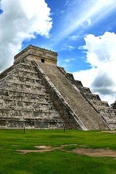 Itza, the largest pre-Columbian city built by the Mayans.Chichen Itza, the largest pre-Columbian city built by the Mayans. Mexico Vacation, Cancun Mexico, Mexico Travel, Vacation Spots, Places To Travel, Places To See, Travel Destinations, Chichen Itza Mexico, Site Archéologique