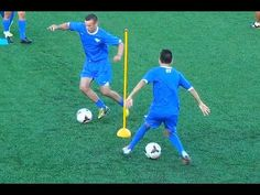 Creative Moves Warm Up Drill Football Warm Up, Soccer Warm Ups, Soccer Dribbling Drills, Football Coaching Drills, Kids Soccer, Soccer Games, Barcelona Training, Soccer Workouts, Soccer Practice