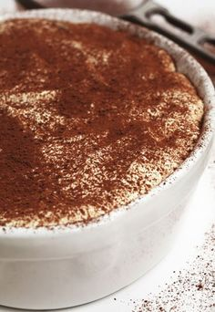 Kaffee-Rezepte: Italienischer Schoko-Keks-Kuchen - die beste Mischung zwischen Tiramisu und Schoko-Kuchen! Rezept auf www.gofeminin.de/kochen-backen/kaffee-rezepte-d22717c290694.html