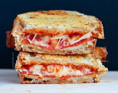 You need to eat extraordinary croque-monsieur? These 7 recipes will provide you with significantly hungry! You need to eat extraordinary croque-monsieur? These 7 recipes will provide you with critical starvation! Grilled Cheese Recipes, Pizza Recipes, Cooking Recipes, Snacks Pizza, Pepperoni Recipes, Grilled Cheeses, Tostadas, Tacos, Food Porn