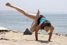 Eka Pada Parsva Bakasana- One-Legged Side Crow Yoga Pose Yoga Teacher Training Rishikesh, Yoga Teacher Training India, Side Crow Pose, Rishikesh Yoga, Fitness Inspiration Body, Yoga School, Yoga Pictures, Yoga Nidra