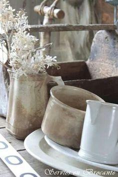 .Pretty things, kitchen vignette.