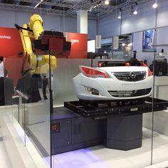 Atos 3D-skanneri kiinni robotissa.