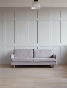 Modern Wall Paneling, Living Room Panelling, Wooden Panelling, Wooden Wall Panels, Wood Panel Walls, White Paneling, Wall Panelling, Paneling Walls, Paneling Ideas