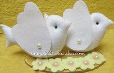 Pombinhos em formato de topo de bolo para decoração.  www.feltrolandia.iluria.com