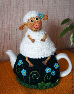 """Кухня ручной работы. Ярмарка Мастеров - ручная работа. Купить Грелка на чайник """"Добрая овечка"""" (с чайником""""). Handmade. Разноцветный"""