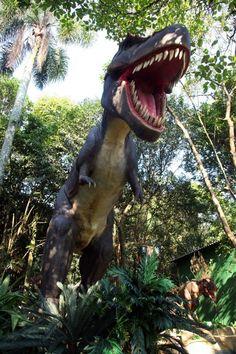 O Mundo dos Dinossauros no Zoológico de São Paulo. Av. Miguel Estéfano, 4.241, Água Funda, São Paulo, SP. Telefone: 5073-0811. Segunda a domingo das 9h às 17h. Ingresso da mostra: R$ 5,00 (5 a 12 anos) R$ 10,00  (acima de 12 anos).  Combo com ingresso para o zoológico e a mostra: R$ 13,50 (5 a 12 anos) e R$ 27,00 (acima de 12 anos). #kids #activities
