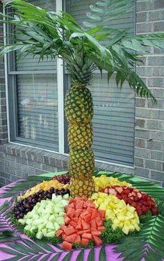 Palm Tree Fruit, Pineapple Palm Tree, Fruit Trees, Palm Trees, Pineapple Fruit, Fruit Appetizers, Fruit Snacks, Fruit Salads, Wedding Appetizers