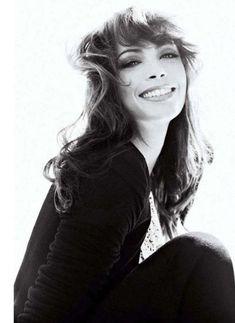 I love this shot of eccentric beauty Berenice Bejo!