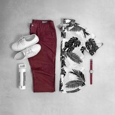 Going into the weekend with a hint of bold print. #grabergrid - Sneaker