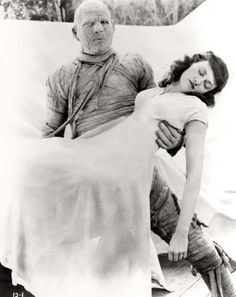 Lon Chaney Jr. & Virginia Christine in Universal's The Mummy's Curse (1944)