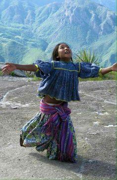 Niña Tarahumara México.