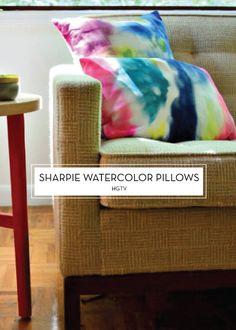 12 JULY DIYS – Sharpie Watercolor Pillows
