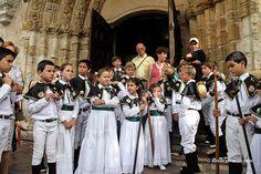 Fiestas de San Roque Llanes [Fiestas Asturias] Más info http://www.desdeasturias.com/las-fiestas-tradicionales-de-llanes/