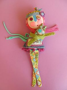 manifattive: dolls and softies (her dolls are SO cute.....love the colors & different patterns)