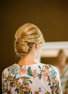White and Gold Wedding. Bridesmaid Hair. Natural Hair. braided updo | Melissa Schollaert #wedding