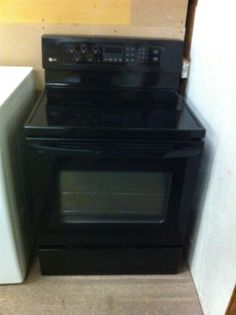 NEW Black LG Freestanding Electric Range w/ 5 Radiant Elements and Self Cleaning Oven ($650 Retail)