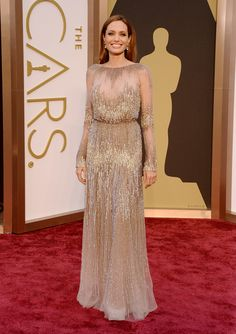 Oscars 2014 Red Carpet Arrivals - Angelina Jolie wears ELIE SAAB Haute Couture Fall Winter to the Annual Academy Awards Elie Saab Couture, Haute Couture Gowns, Angelina Jolie Dress, Beautiful Dresses, Nice Dresses, Gorgeous Dress, Dresses 2014, Blush Gown, Gold Gown