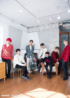 BTS - the best Christmas gift for ARMY BTS collaborated with Dispatch to produce sweet photos as a special Christmas present for fans. Who: BTS Namjoon, Taehyung, Seokjin, Bts 2018, Bts Selca, Bts Bangtan Boy, Bts Jimin, Boy Scouts, Jung Hoseok