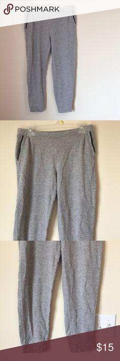 Gap grey jogger pants size M Gap grey jogger pants size M GAP Pants Track Pants & Joggers