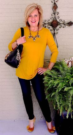 Best Outfits For Women Over 50 - Fashion Trends 60 Fashion, Over 50 Womens Fashion, Fashion Over 40, Latest Fashion For Women, Autumn Fashion, Fashion Outfits, Fashion Trends, Fashion Night, Fashion Ideas