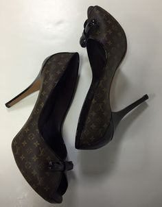 Louis Vuitton, size 41