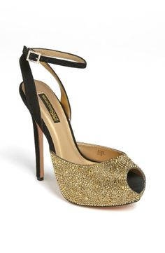 Sparkly black & gold sandal. Perfect for New Year's Eve!