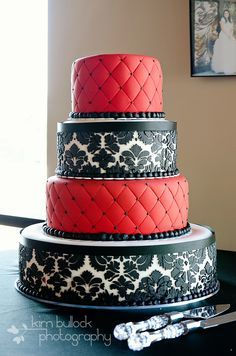 Black, red and white wedding cake - just looks cool. Love love Love!