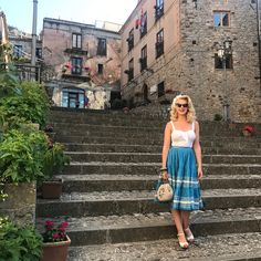 Yesterday we visited San Mauro Castelverde. The views 😍 Gypsy Style, My Style, Daily Style, Skirt Outfits, Dress Skirt, Daily Fashion, Retro Fashion, New Blue, Blue Green