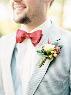 Seersucker suit and polka dot bowtie: http://www.stylemepretty.com/little-black-book-blog/2017/03/17/sweet-southern-summer-wedding/ Photography: Nancy Ray - http://nancyrayphotography.com/