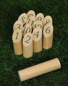 Möikky Game Knock down the pins and you could be a winner at Mölkky, an easy-to-make classic lawn game that's fun for all ages. DIY instructions from Martha Stewart at the homedepot link Martha Stewart Gardens Diy Yard Games, Lawn Games, Diy Games, Backyard Games, Outdoor Games, Outdoor Fun, Party Games, Outdoor Activities, Backyard Ideas