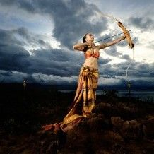 Commercial photo and lighting setup with Strobe, Strip Softbox and Beauty Dish by Ohm Naraya (M, F 11, ISO: 100)