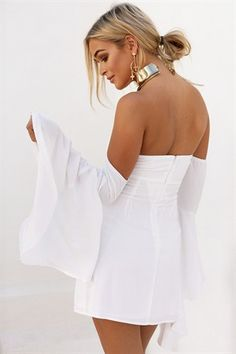 Shop our range of unique dresses online, one for every occasion - you'll never run out of things to wear! Unique Dresses, Pretty Dresses, Bell Sleeve Dress, Bell Sleeves, Buy Dresses Online, Sabo Skirt, Australian Fashion, Fashion Labels, Playsuits