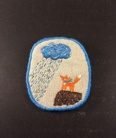 Hoi! Ik heb een geweldige listing gevonden op Etsy https://www.etsy.com/nl/listing/60165137/brooch-littel-fox-and-the-rain-hand