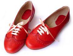Acordonados Rouge Oxford Leder Ballerinas - Flache Damenschuhe in - damenschuhe - Red Shoes, Sock Shoes, Cute Shoes, Me Too Shoes, Shoe Boots, Shoe Bag, Flat Shoes, Red Flats, Women's Shoes