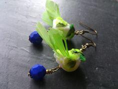 Boucles d'oreilles Petits oiseaux vert et bleu roi : Boucles d'oreille par mon-petit-doigt-me-l-a-dit