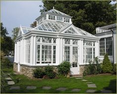Conservatory/like an enclosed white gazebo Conservatory Design, Conservatory Garden, Backyard Greenhouse, Small Greenhouse, Greenhouse Ideas, Greenhouse Heaters, Greenhouse Plants, Hm Home, Outdoor Living