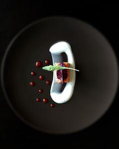 Un plat gastronomique | cuisine, gastronomique, recette. Plus de nouveautés sur http://www.bocadolobo.com/en/inspiration-and-ideas/