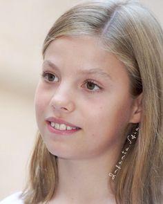 360 Ideas De Principes Principe Familias Reales Infantas Leonor Y Sofia