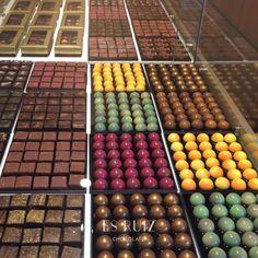 No es una joyería... estas en ES RUIZ LA PASTELERIA. #esruizlapasteleria #esruiz #pasteleriadeautor #chocolatedeautor #chocolate