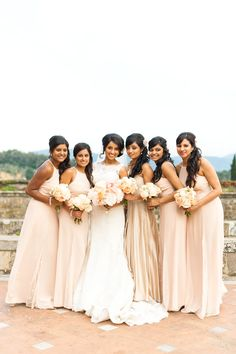 Nude Bridesmaid Gowns & peachy Bouquets | Destination DIY vintage wedding in Italy | Martina Liana Dress | Styling by WedInItaly | Pink and gold colour scheme | outdoor reception | Images by Anushé Low | http://www.rockmywedding.co.uk/lavinia-sav/