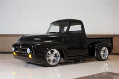Pro built in 2013 with small block Ford engine overdrive automatic transmission Currie rear end riding on a TCI chassis with IFS coilover shocks disc brakes Hot Rod Trucks, New Trucks, Custom Trucks, Cool Trucks, Small Trucks, 56 Ford Truck, Ford Pickup Trucks, Train Truck, Night Train