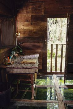 Bambu Indah - Udang House - Desk - Delight Fine Art Glass-bottomed hotel in Bali.
