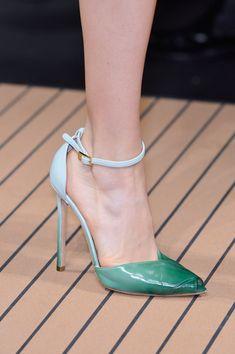 Ankle strap pumps: Los tacones tendencia para primavera-verano 2014. ¡Sexies! ERMANNO SCERVINO