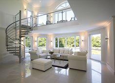 BLanc, blanc, blanc et une touche de lumière! Déco d'intérieur très classe!! bonareva.com