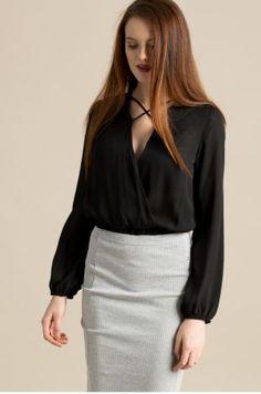 Bluza eleganta de seara neagra cu decolteu in v Mini Skirts, Casual, Fashion, Moda, Fashion Styles, Mini Skirt, Fashion Illustrations
