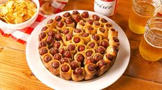 Pull-Apart Pigs In A Blanket - Best finger food list Finger Food Appetizers, Yummy Appetizers, Appetizers For Party, Appetizer Recipes, Snack Recipes, Cooking Recipes, Party Snacks, Tapas, Sauce Cocktail