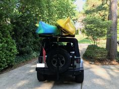 Two Kayaks on a Hitchmount-Rack = No problem! Kayak Rack, Racking System, Kayaks, Jeep Life, Baby Car Seats, Baby Strollers, This Or That Questions, Summer, Kayaking